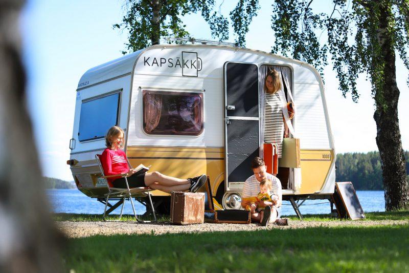 Kapsäkki-kahvilan asuntovaunu